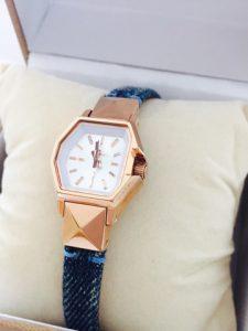 ディーゼルで一目惚れした時計。小さめフェイスにしました。